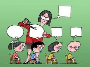 profesora-recortando-viñetas-de-alumnos